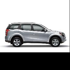 Mahindra XUV500 W10 Car