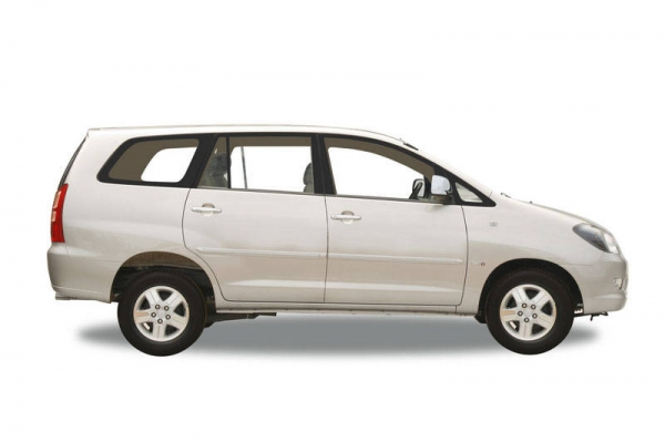 Toyota Innova 2 5 G4 8 Seater Car Price Specification
